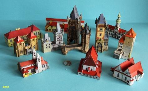 12 pohlednic Prahy