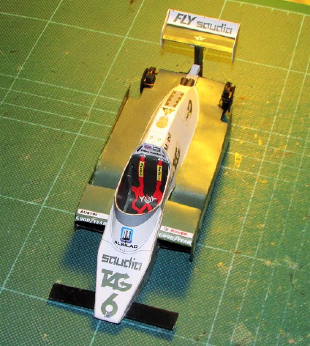 Williams FW 08
