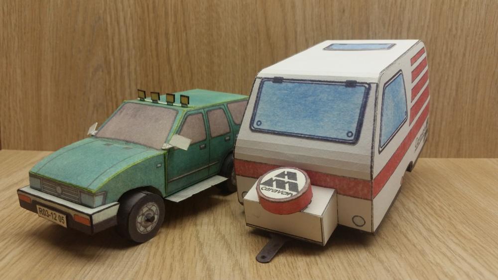 Automobil s karavanem