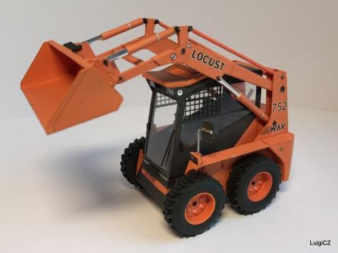 Locust L752 a přívěsný vozík