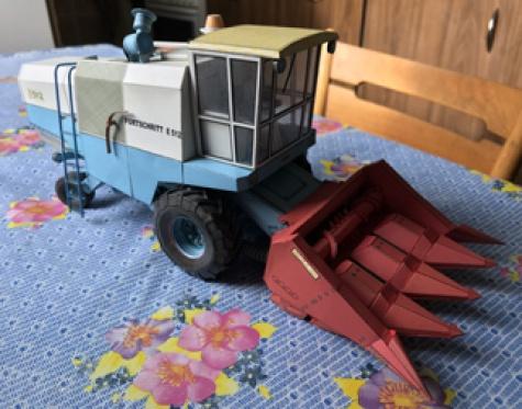 Adaptér pro sklizeň kukuřice MFKA 40