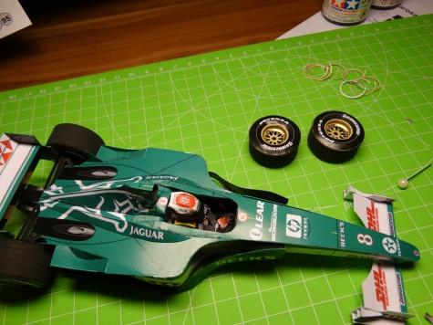 Jaguar R1 2000