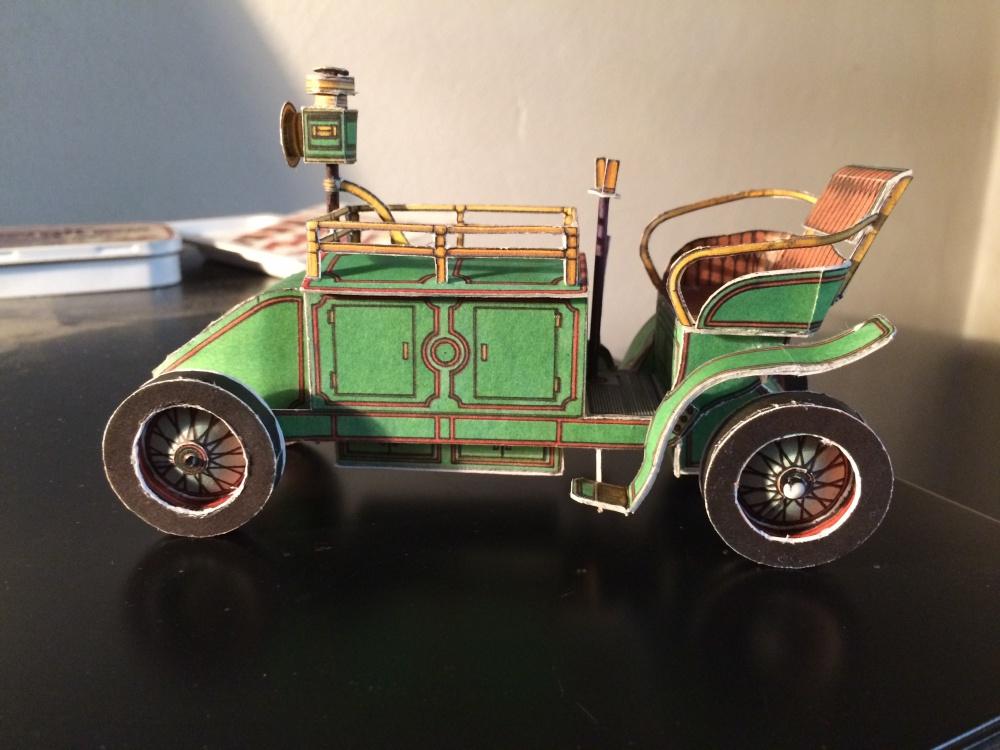 Elektřinou hnaný poštovní vůz