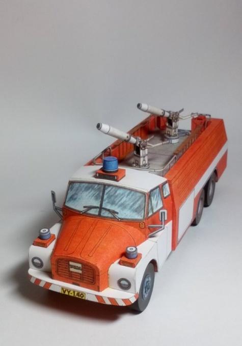 Tatra 148 CAS 32