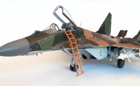 MiG-29A 1/33 Halinski + recolor