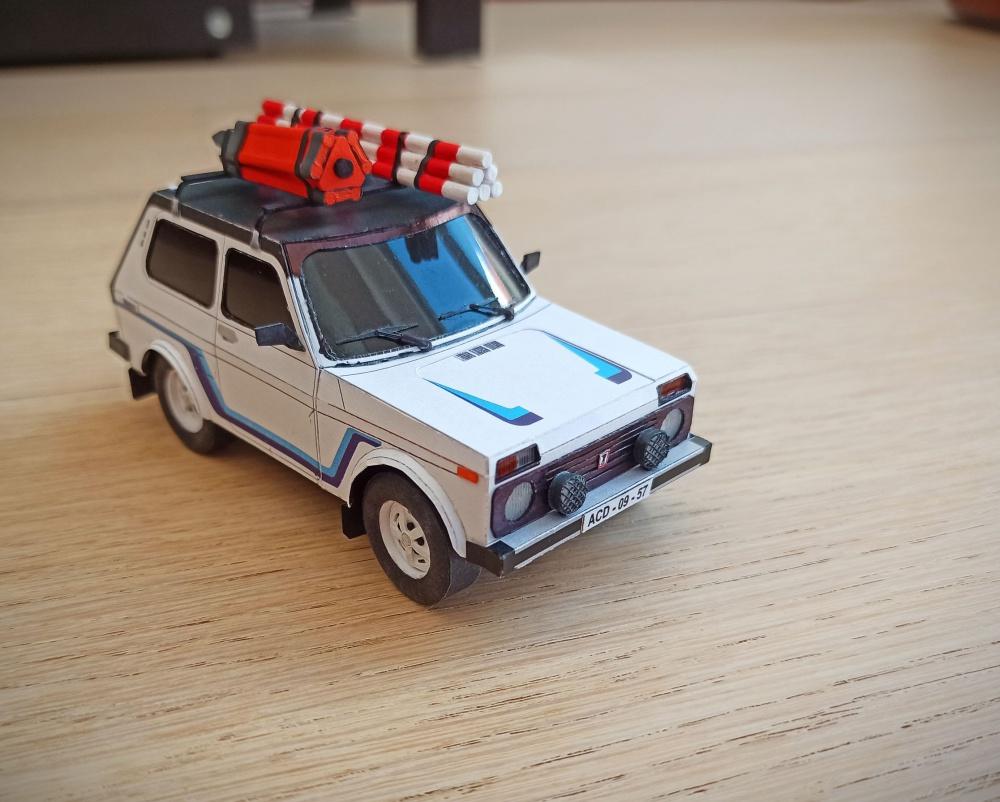 Lada 4x4 Niva Návštěvníci 1:32