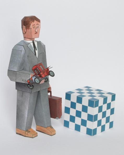 Modelář s kufrem plným vystřihovánek