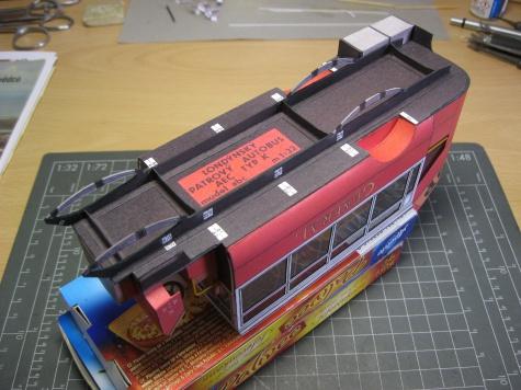 Londýnský patrový autobus K-AEC