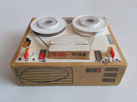 Magnetofon Tesla B 588