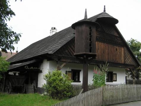 Chalupa z Polabí - foto skutečné stavby