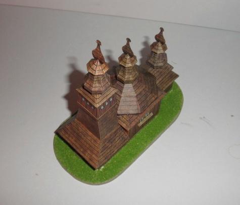 Dreveny kostolik v ladomirovej
