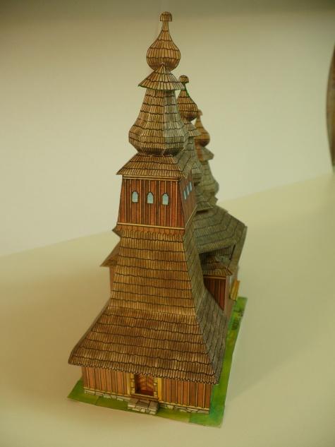 Drevený kostolík z Ladomírovej