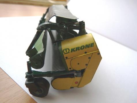 Krone BigX V8 s lištou easy flow