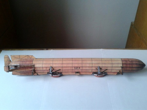 První počiny po znovuobjevení papírového modelářství :)