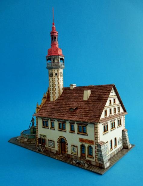 Liberecká radnice z roku 1603 s kašnou