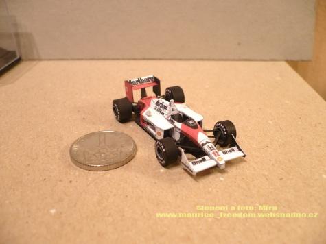 McLaren F1 1:24 úprava na 1:100