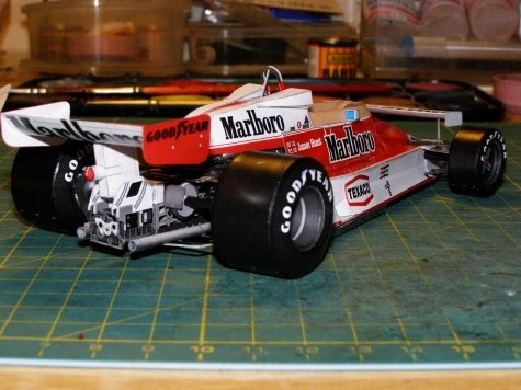 McLaren M26