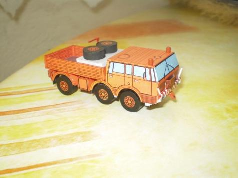Tatra 813 TP 1:100