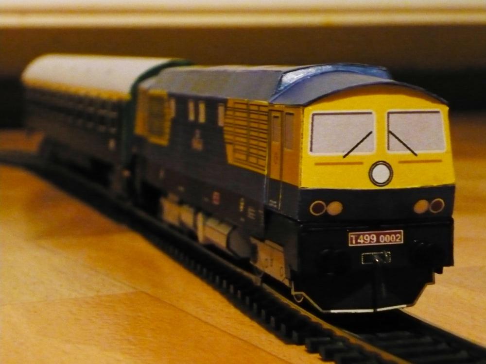 Motorová lokomotiva T499.002
