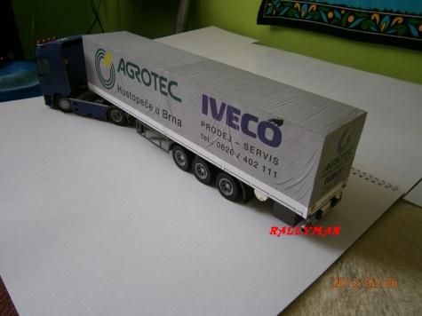 Plachtový návěs k modelu Iveco Eurostar