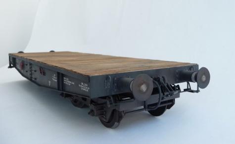 Plošinový vagón typ SSys