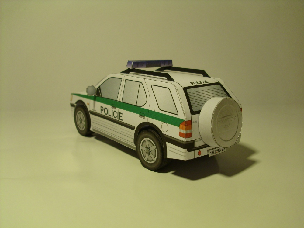 Policejní auto Opel Frontera