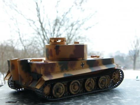 PzKpfw VI.- Tiger I..