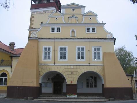 Radnice Dobrovice