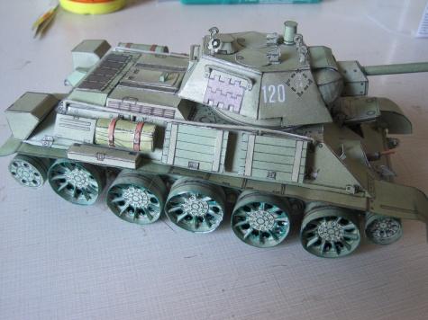 ruský tank T34/76