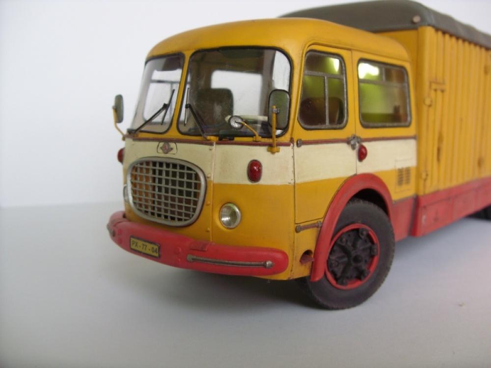 196860