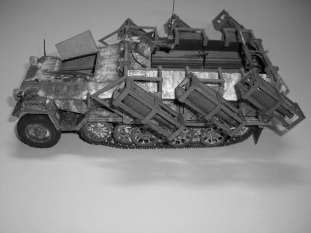 SdKfz 251 1  Ausf A  WURFRAHMEN 40