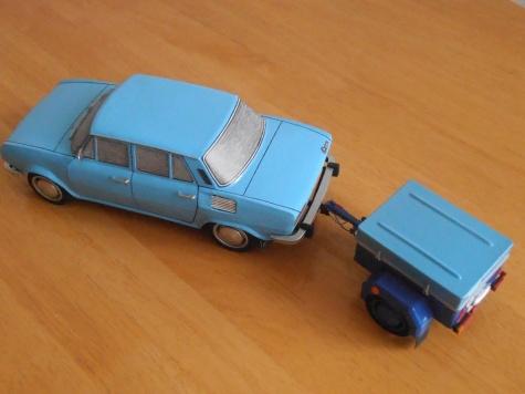Škoda 100L s přívěsným vozíkem