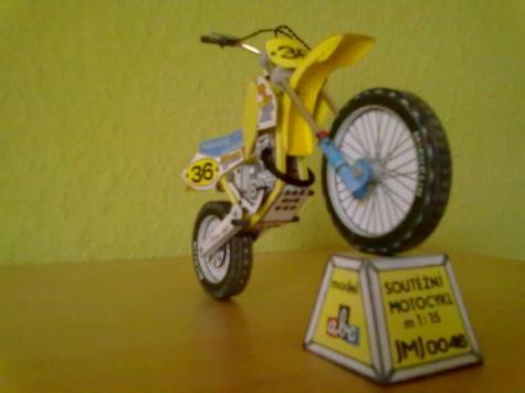 Soutěžní motocykl