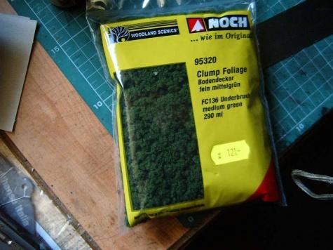 Statická tráva snadno-rychle-levně