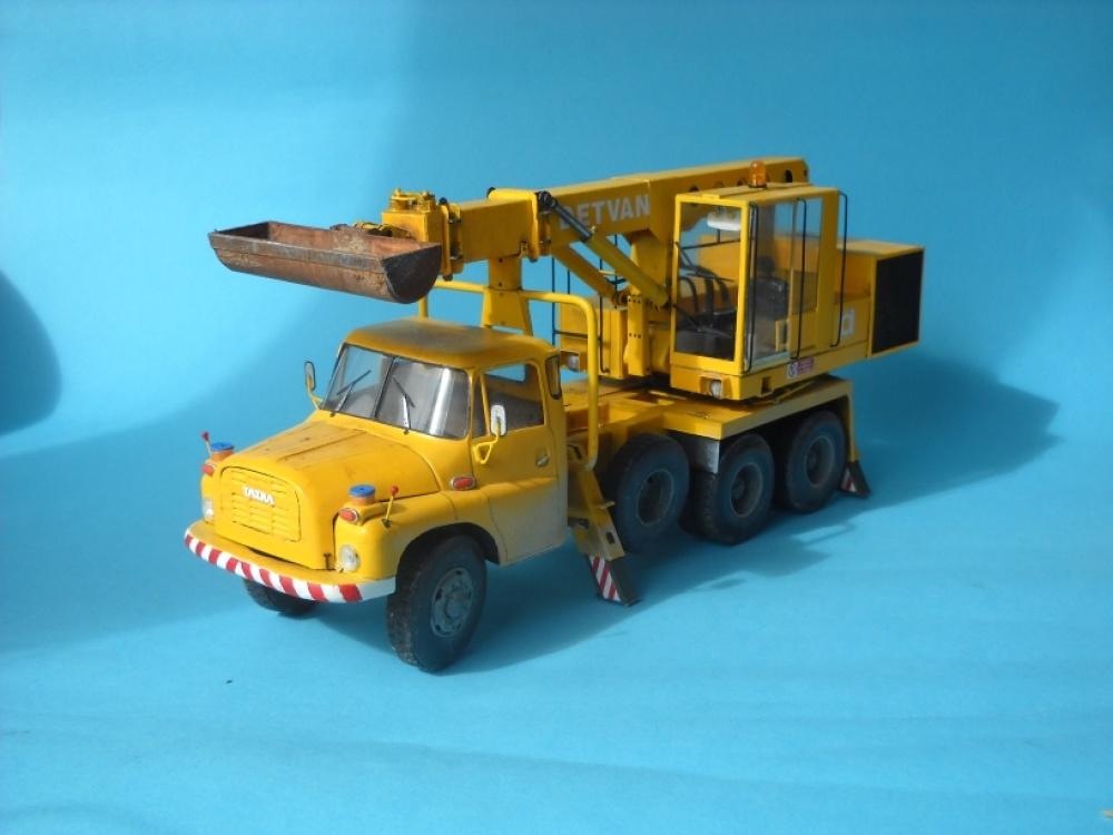 Tatra 148 UDS 110