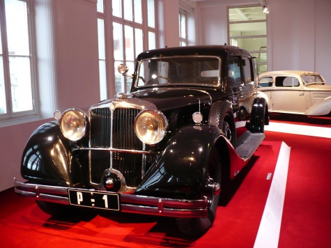 Tatra 80