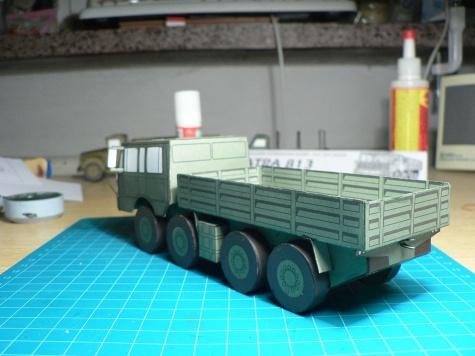 Tatra 813