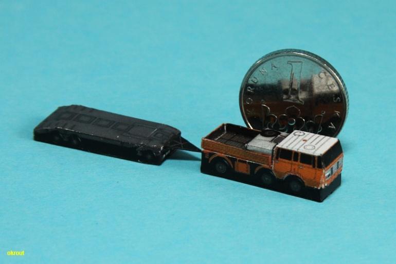 Tatra 813 TP a Transporta P32