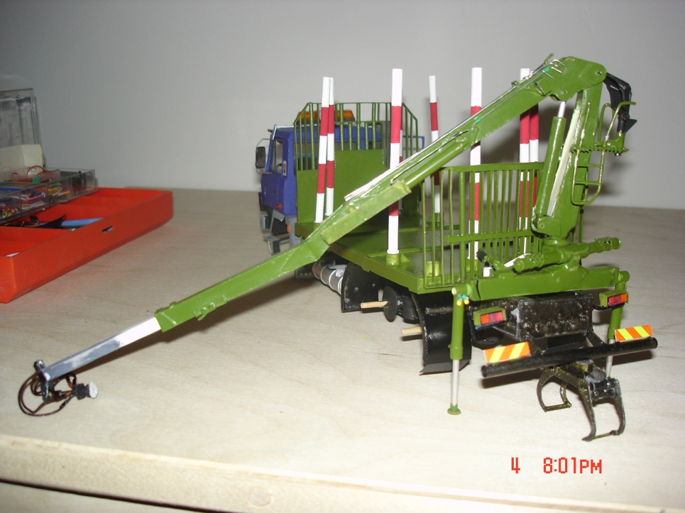 TATRA 815 AV14-prestavba-LESOVOZ+LOGLIFT 105Z