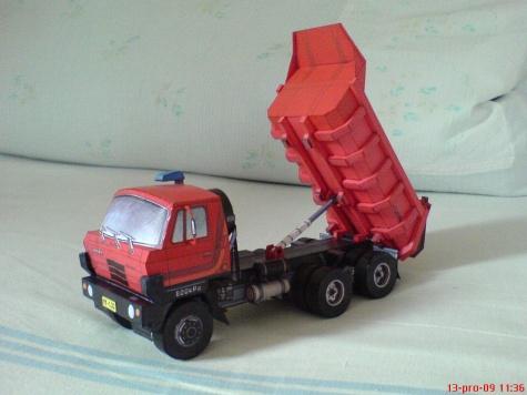 Tatra 815 S1 6x6, červená