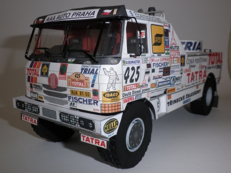 Tatra T 815 2 ZE R 55 16 400 4x4.1/33 Dakar 2001