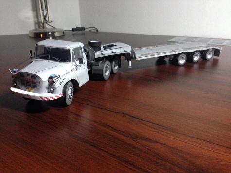 Tatra 148 NTt + Zremb N25-31