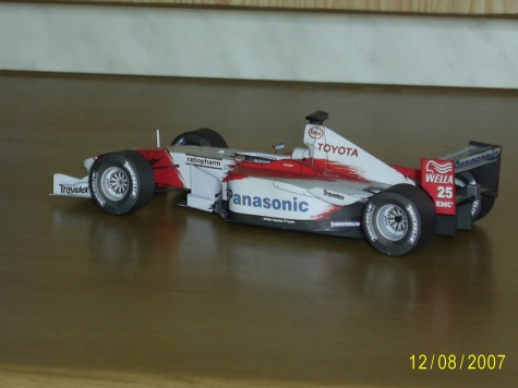 Toyota TF102 A.McNish r.2002