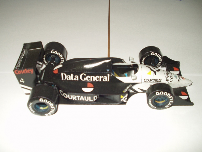 Tyrrell  DG016
