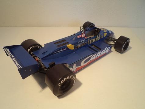 Tyrrell 011 Ford, B. Henton GP, San Marino 1982