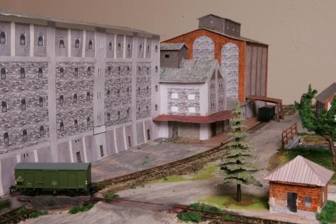 Umely parnoelektricky mlyn- 1856-1945