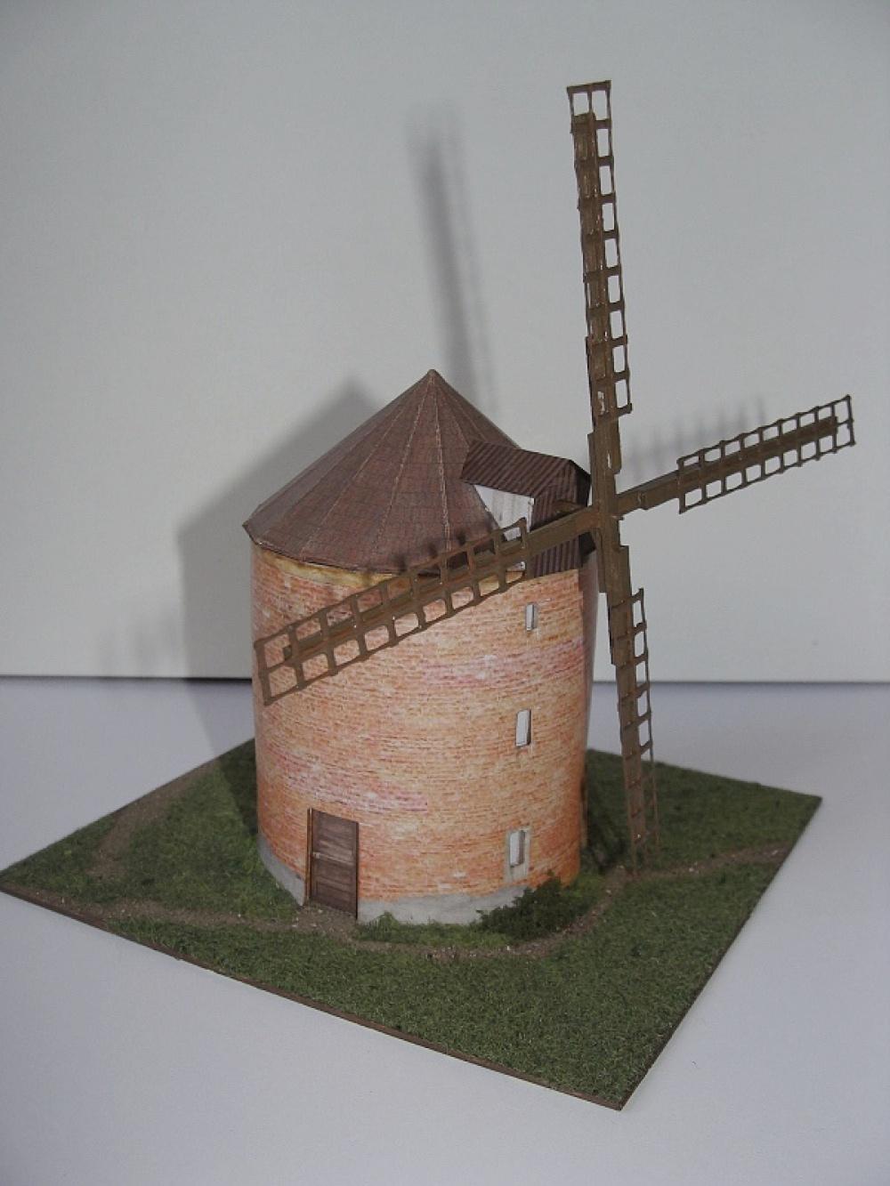 větrný mlýn Chvalkovice