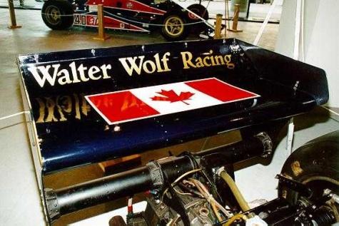 Wolf WR01